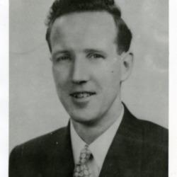 1935c Rev Oliver Hurst portrait.jpg